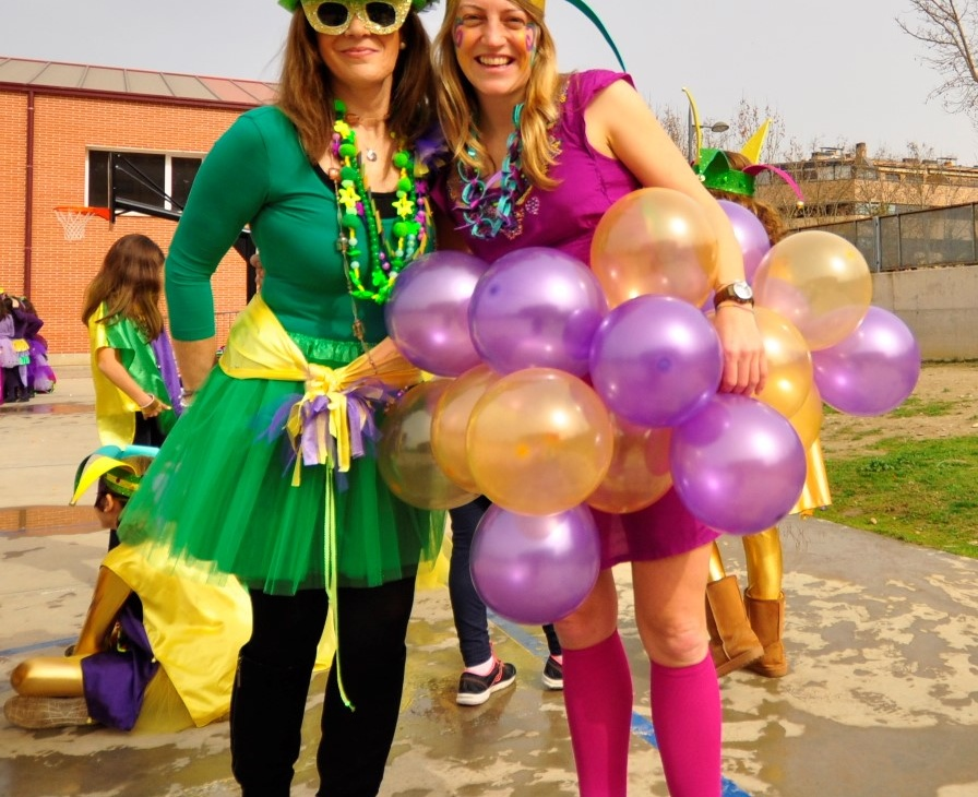 CARNIVAL 2017. MARDI GRAS FROM THE LADY WITH THE BALLON SKIRT.
